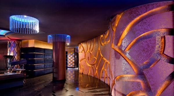 nhua-gia-da-pvc-vat-lieu-dang-cap-trang-tri-quan-karaoke-3